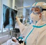 Россия ненадолго сместилась на третье место в мире по числу случаев COVID-19